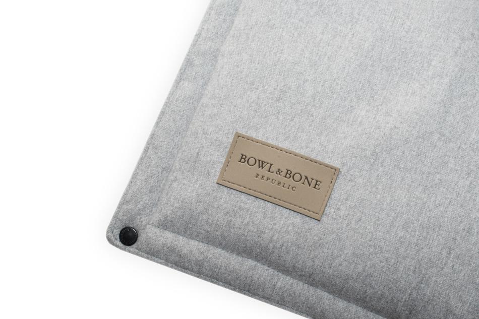 Hundemåtte i grå farve fra Bowl&Bone Republic