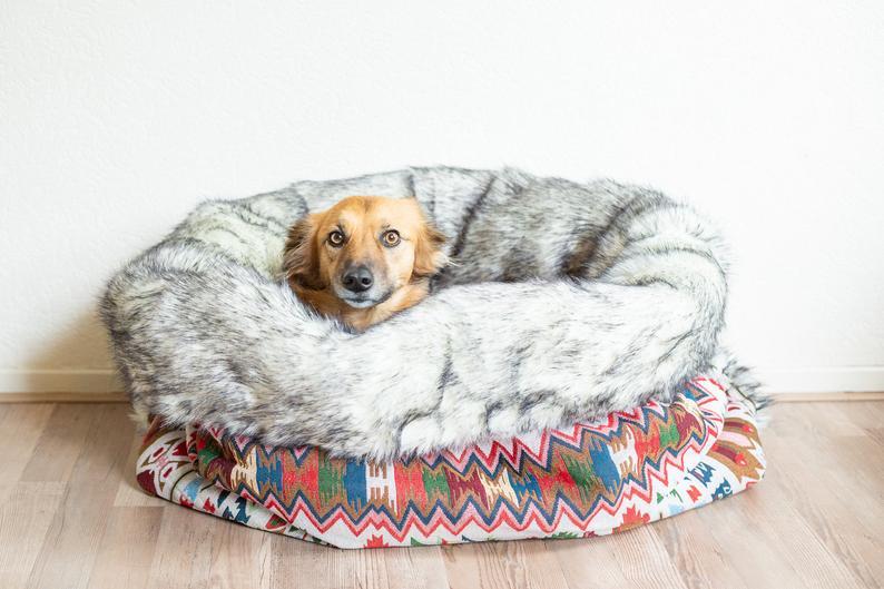 Varm hundesovepose med pels